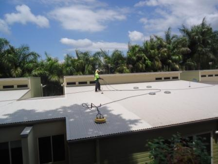 Body-corporate colorbond roof clean Buderim