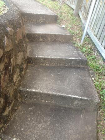 Woombye Pressure clean Steps-before